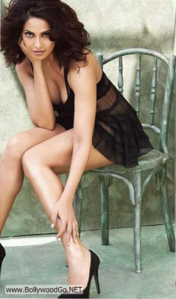 bipasha+basu+men+world+magazine+%282%29