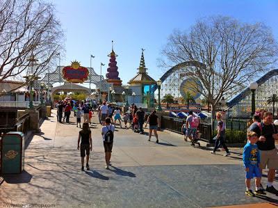 Paradies Pier Bridge DCA Disney California Adventure Screamin'