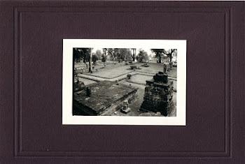 """Altar Sukuh"" (12,5 X 9 Cm)"