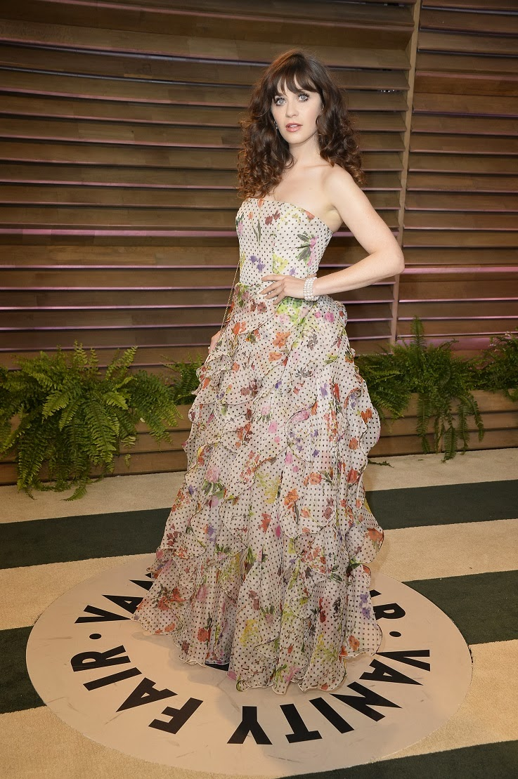 Zooey Deschanel in a strapless Oscar de la Renta gown at the 2014 ...