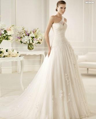 una novia diferente: la sposa: vestidos de novia asimétricos 2013