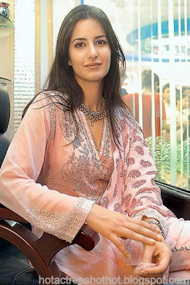 katrina kaif hot pics without make up spicy