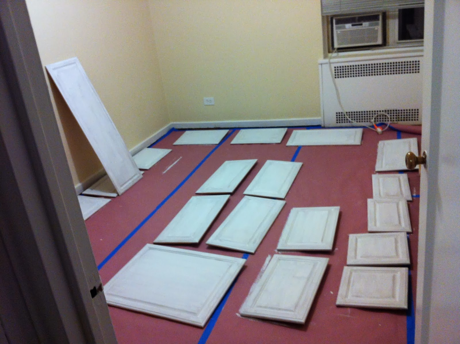 Step 4: Primer the cabiframes and the cabidoors and leave them