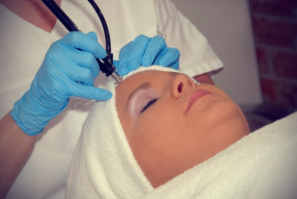 Mike Walden Acne No More - the course of laser treatment for acne removal