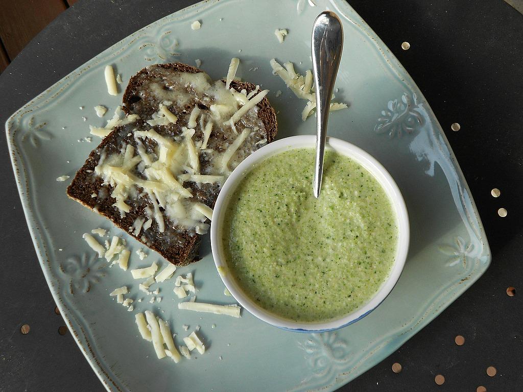 Coppertop Kitchen: Vegan Cream of Broccoli Soup