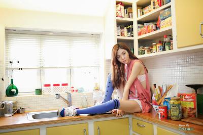Chae Eun Sexy Kitchen Cutie