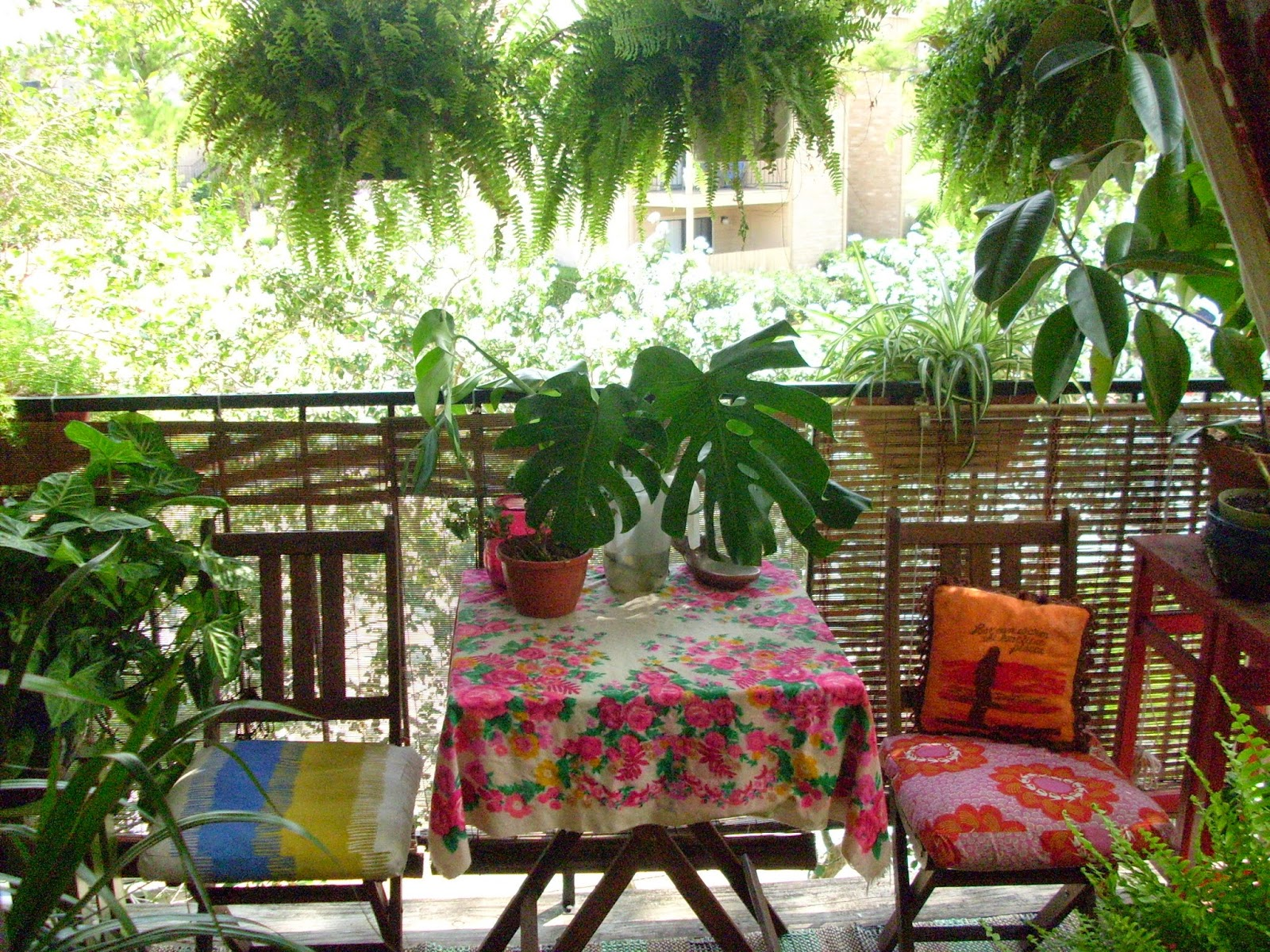 Boho-Small-Patio-Decor