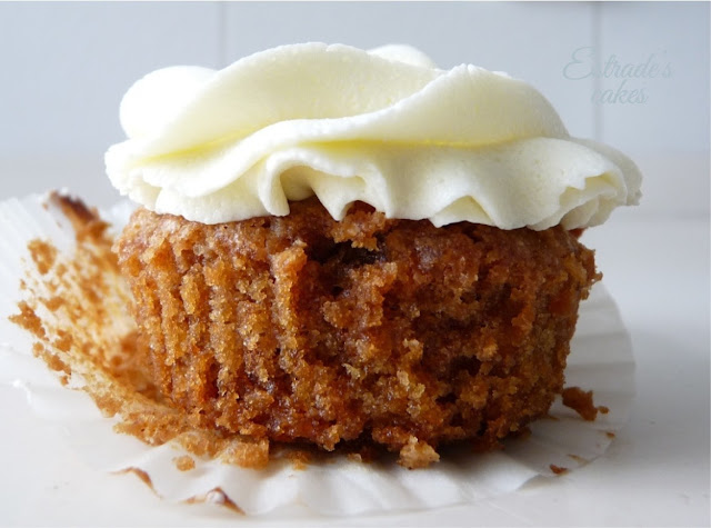 cupcake zanahoria con frosting de queso y chocolate blanco, receta - 01