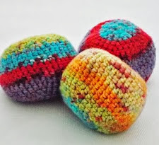 http://www.thechillydog.com/2013/09/post-250-crocheted-bean-bag-ball-pattern.html?utm_source=bp_recent&utm-medium=gadget&utm_campaign=bp_recent