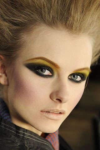 Eye Liner Make Up