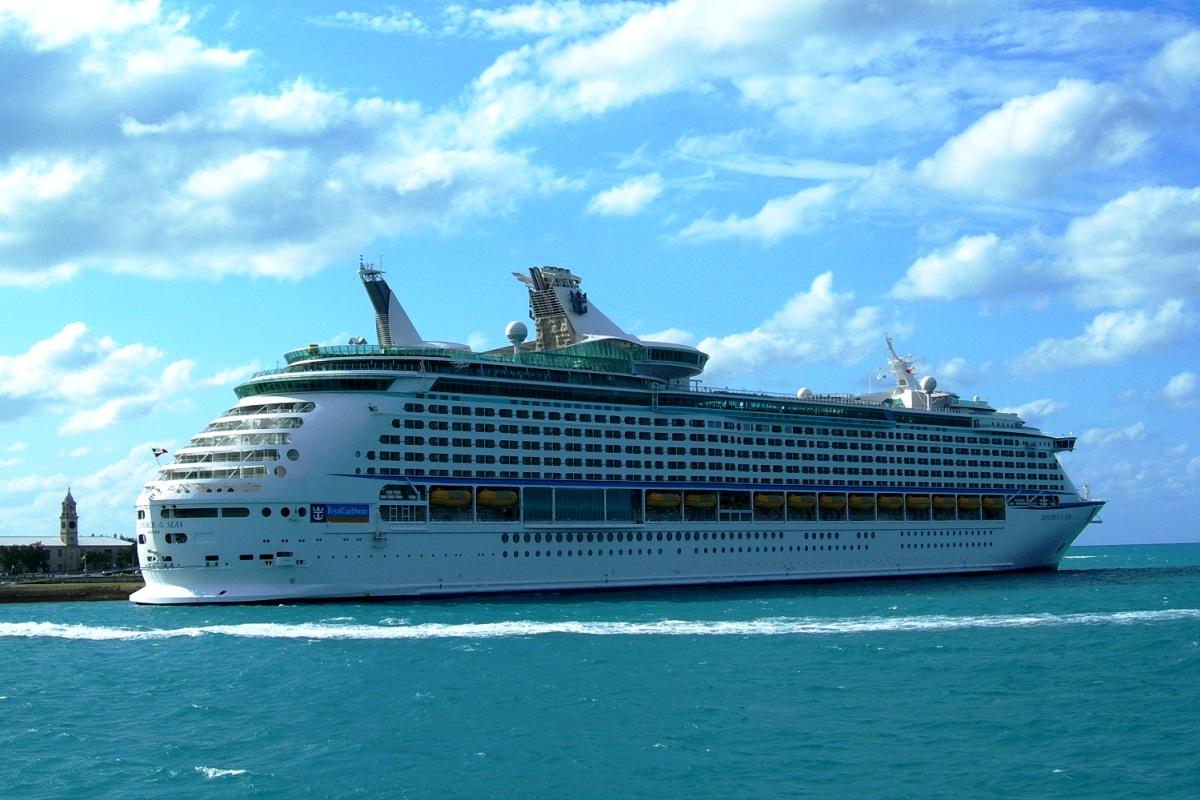 MS Explorer of the Seas (Foto 1). MARITIME LINE