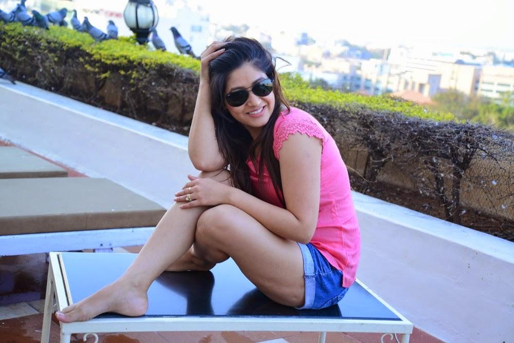 Prabhajeet Kaur Glamorous Photo shoot-HQ-Photo-9