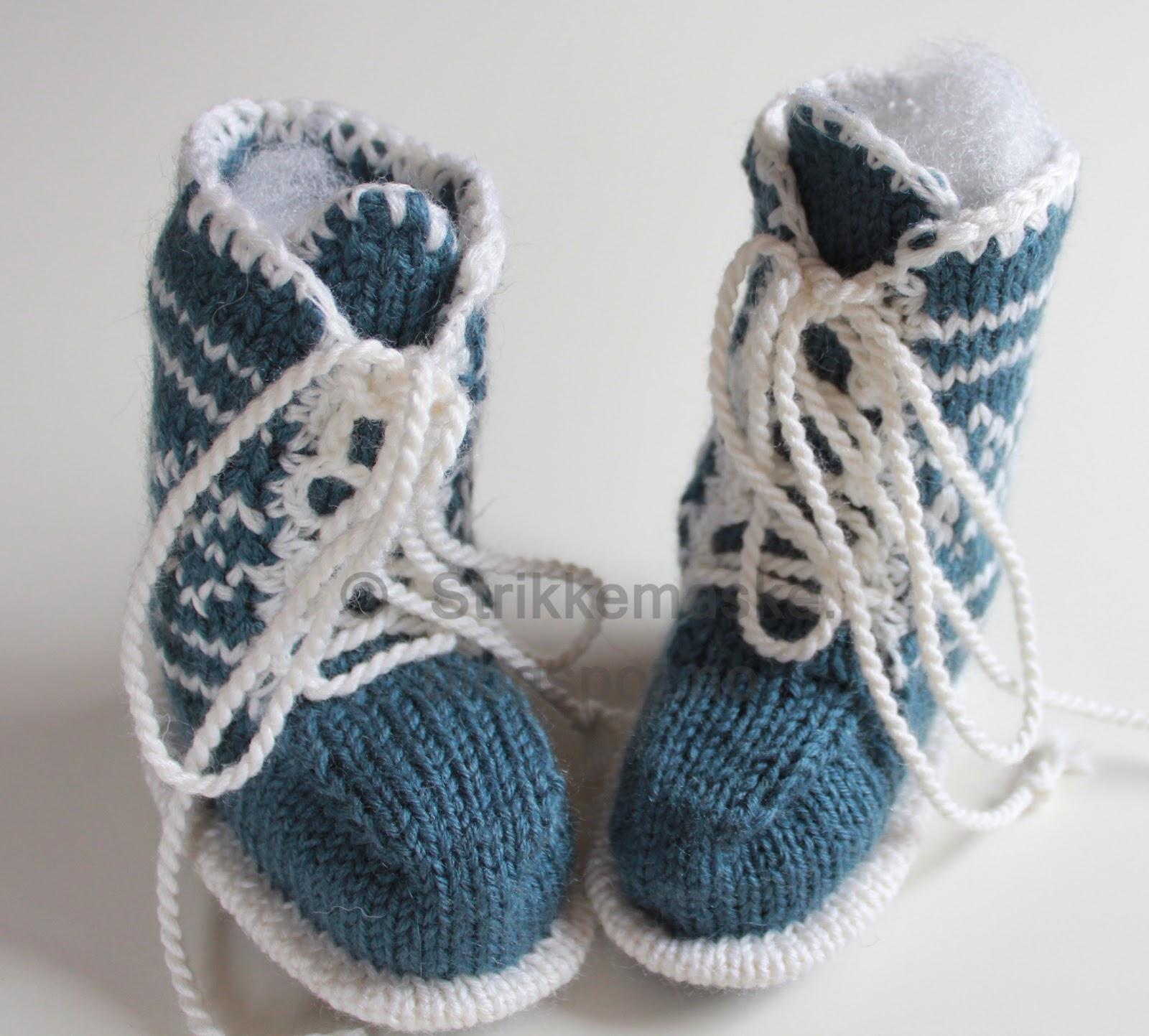 Strikka Babybooties med snøring