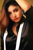 Komal Jha Glamorous Portfolio Stills-thumbnail-3