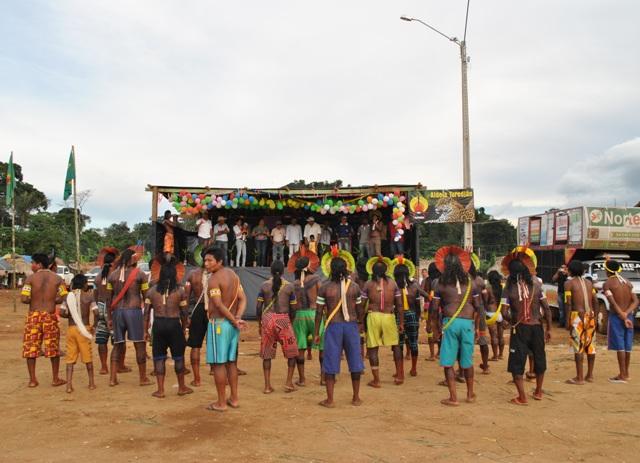 Patricia Barros Artesanato ~ Kayapó Ag u00eancia de Notícias A etnia kayapó, os primeiros habitantes da regi u00e3o agora desfrutam