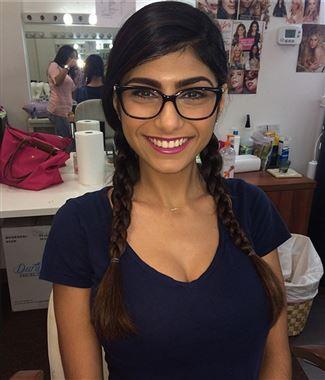 قصة ممثلة الافلام الاباحية ميا خليفة كاملة