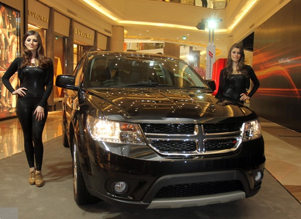 http://4.bp.blogspot.com/-MgJfwvyltCA/UcCI93N-ZhI/AAAAAAAAEQA/U1nsEwq162Q/s1600/2013+Dodge+Journey.jpg