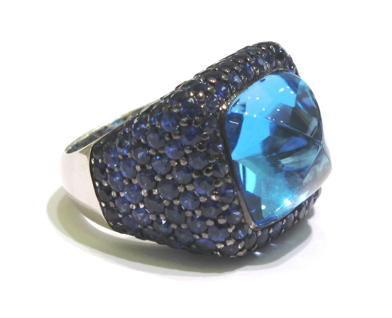 http://4.bp.blogspot.com/-MgNExpTfQ60/T3sqiXMPTtI/AAAAAAAAAQg/_703rGyZeF0/s1600/alan_friedman_jewelry_beverly_hills_blue_topaz_celebrity_katy_perry.jpeg