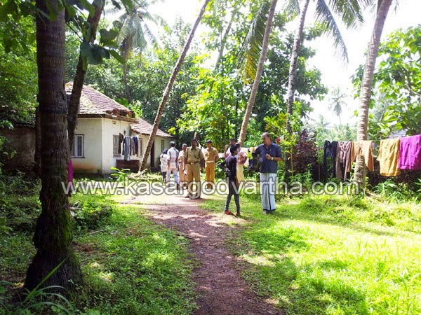 kasaragod, Kerala, Robbery, House, Gold, Cash, Dog squad, Town police, Window, Robbery in Thalangara.