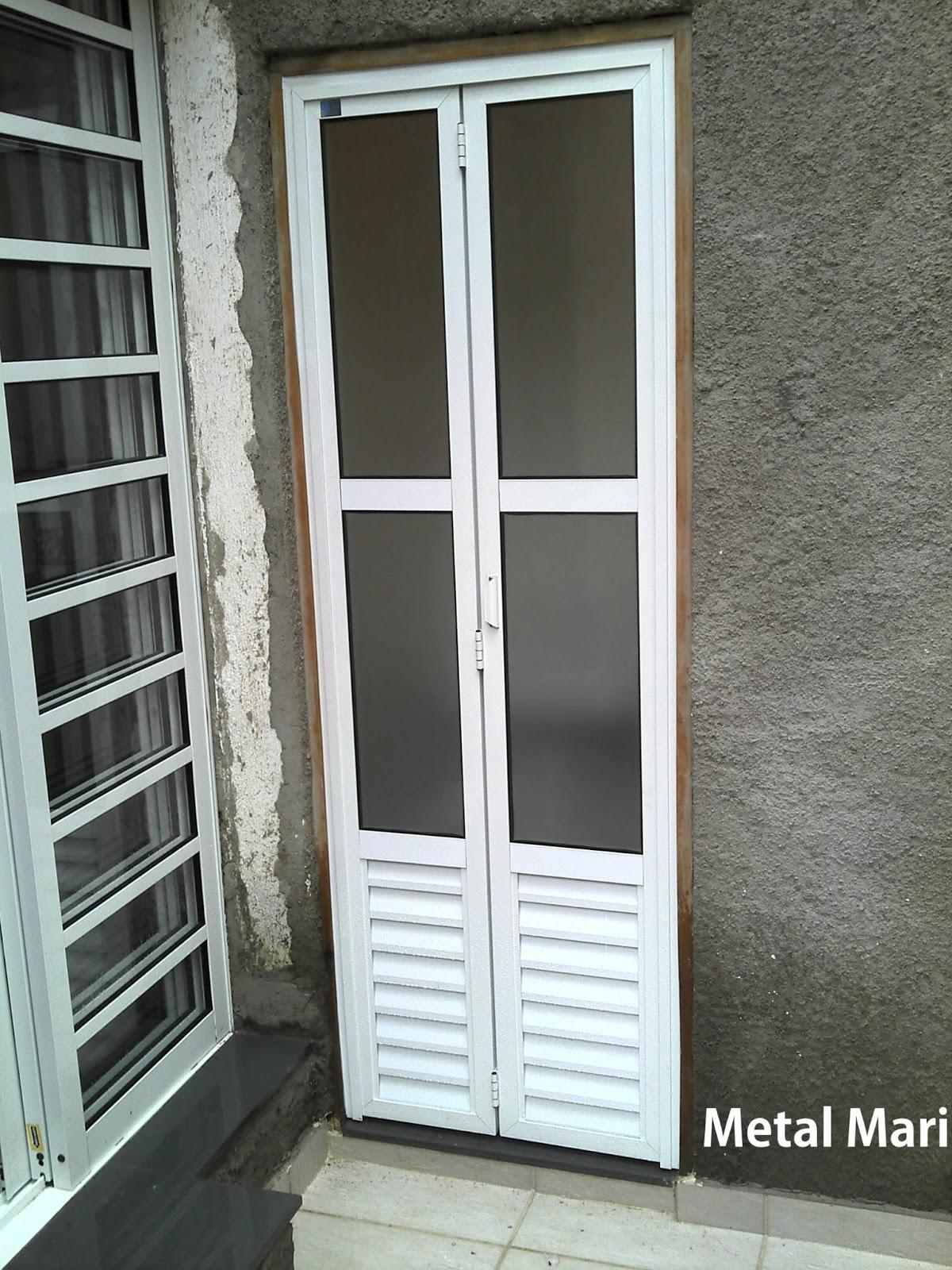 mini boreal pois no local é banheiro com isso quebramos a visão #5F4F38 1200x1600 Banheiro Com Duas Portas