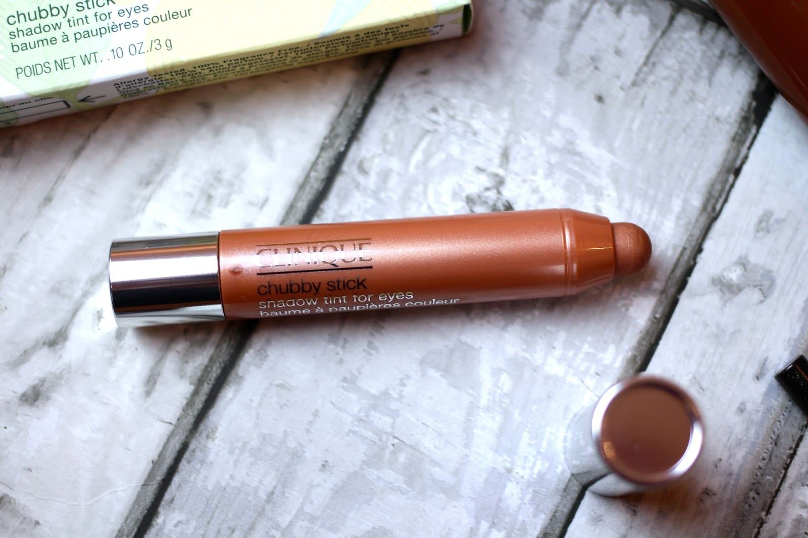 clinique eyeshadow stick