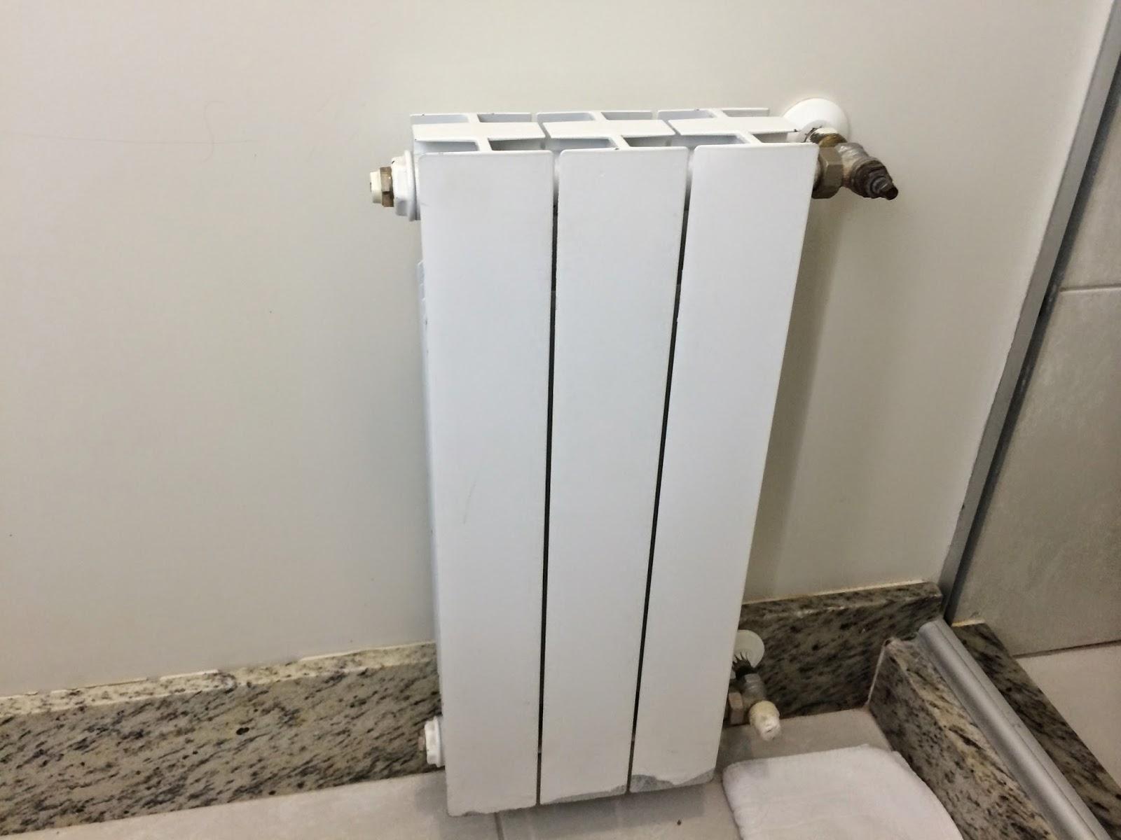 Definitivamente calefação no banheiro não é luxo é uma  #3A3329 1600 1200