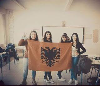 Φωτογραφία ΣΟΚ από Ελληνικό σχολείο… Αυτή την Ελλάδα θέλουνε κάποιοι;