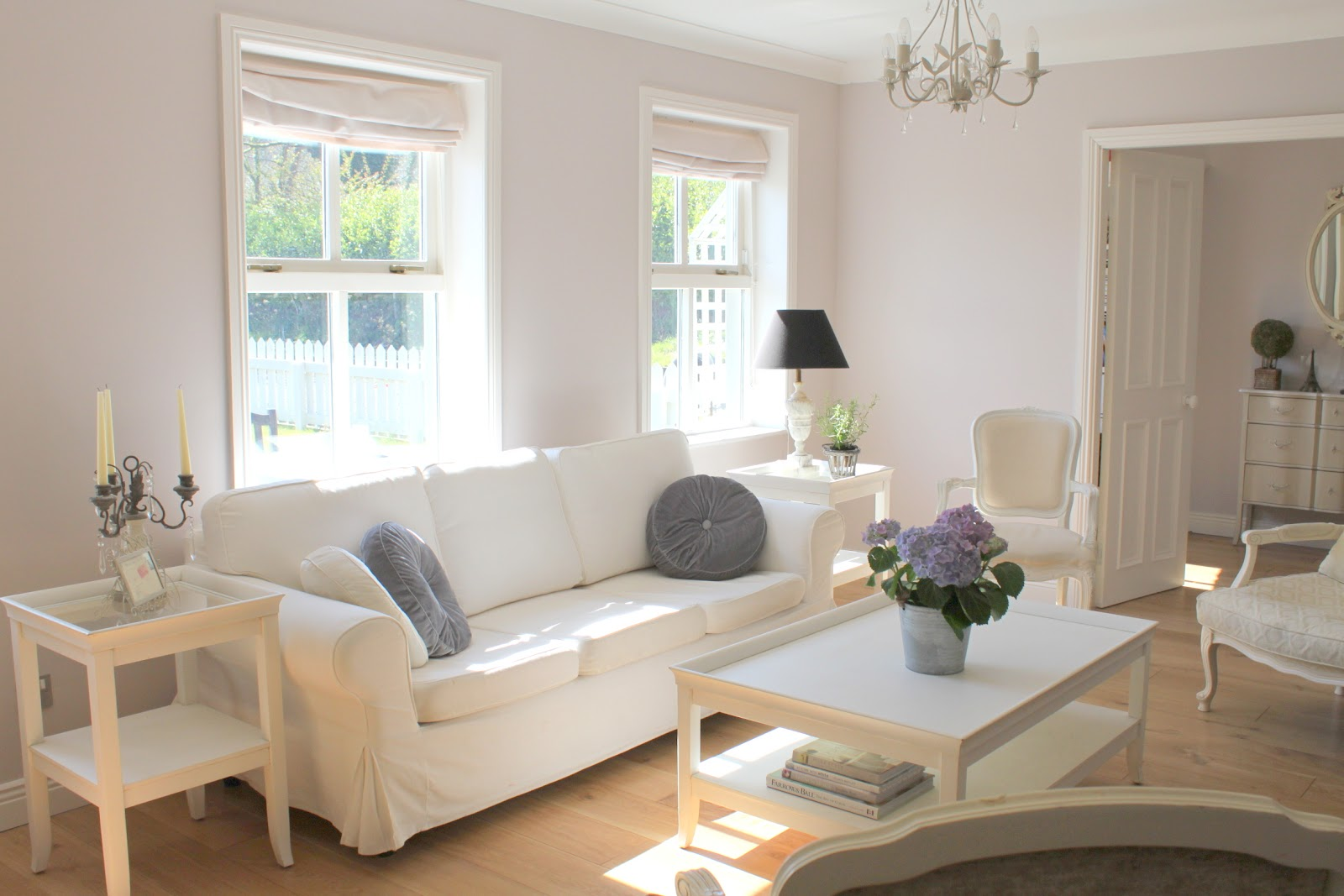 La Vie en Rose: Spring Living Room