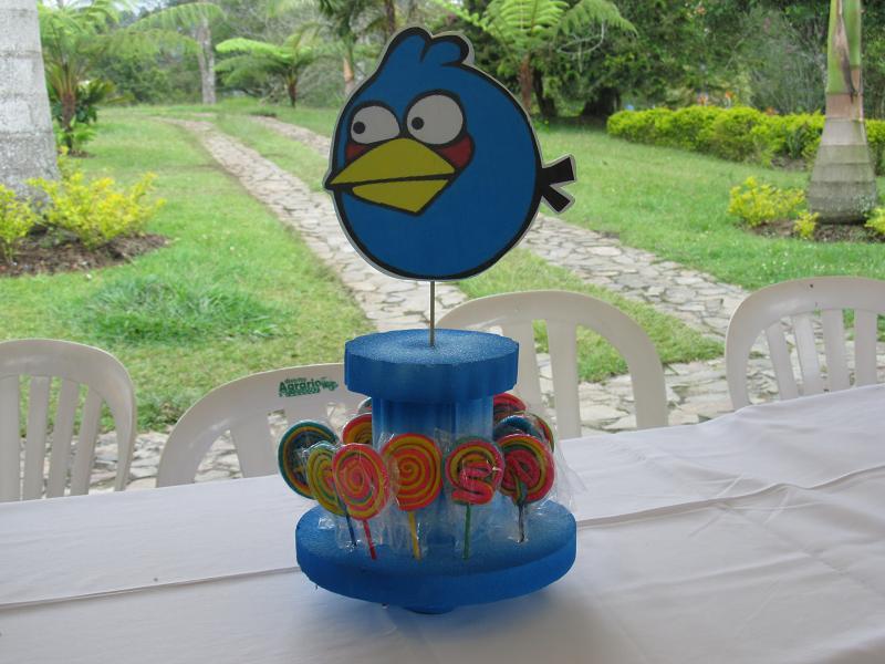 globos bomboneras decoracion con globos fiestas de angry birds fiestas ...