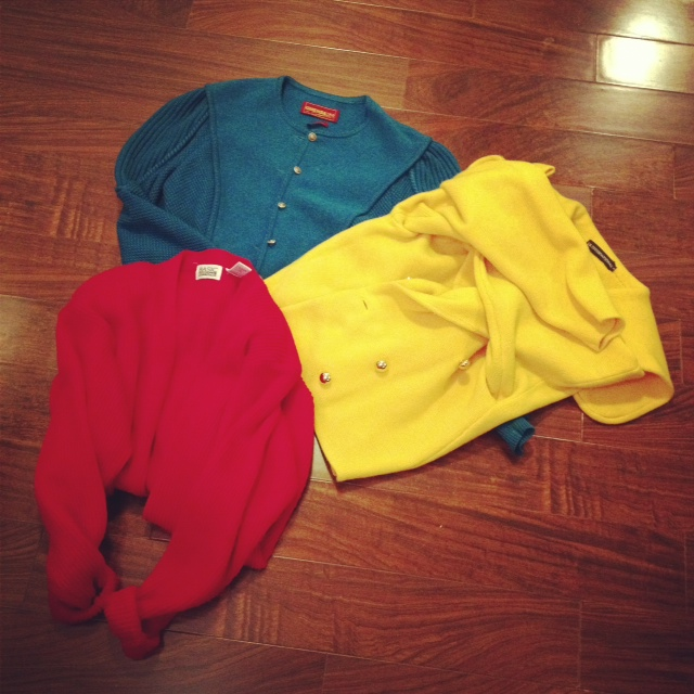 Thrifted large cable knite sweaters in red blue and yellow, large sweaters, cable knit sweaters, thrift finds