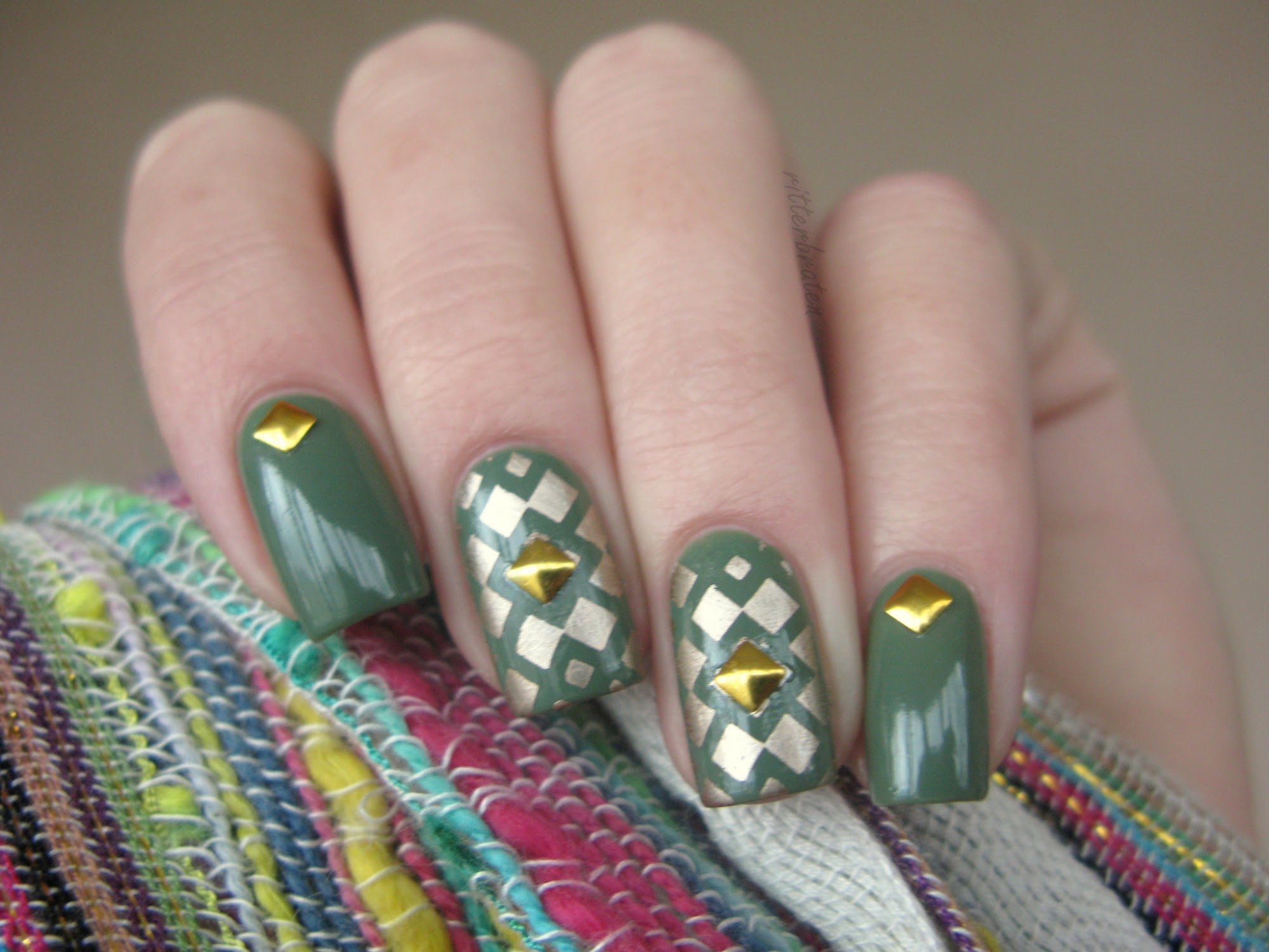 studs nail art