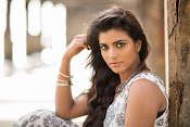 Aishwarya Rajesh glam photo shoot-thumbnail-1