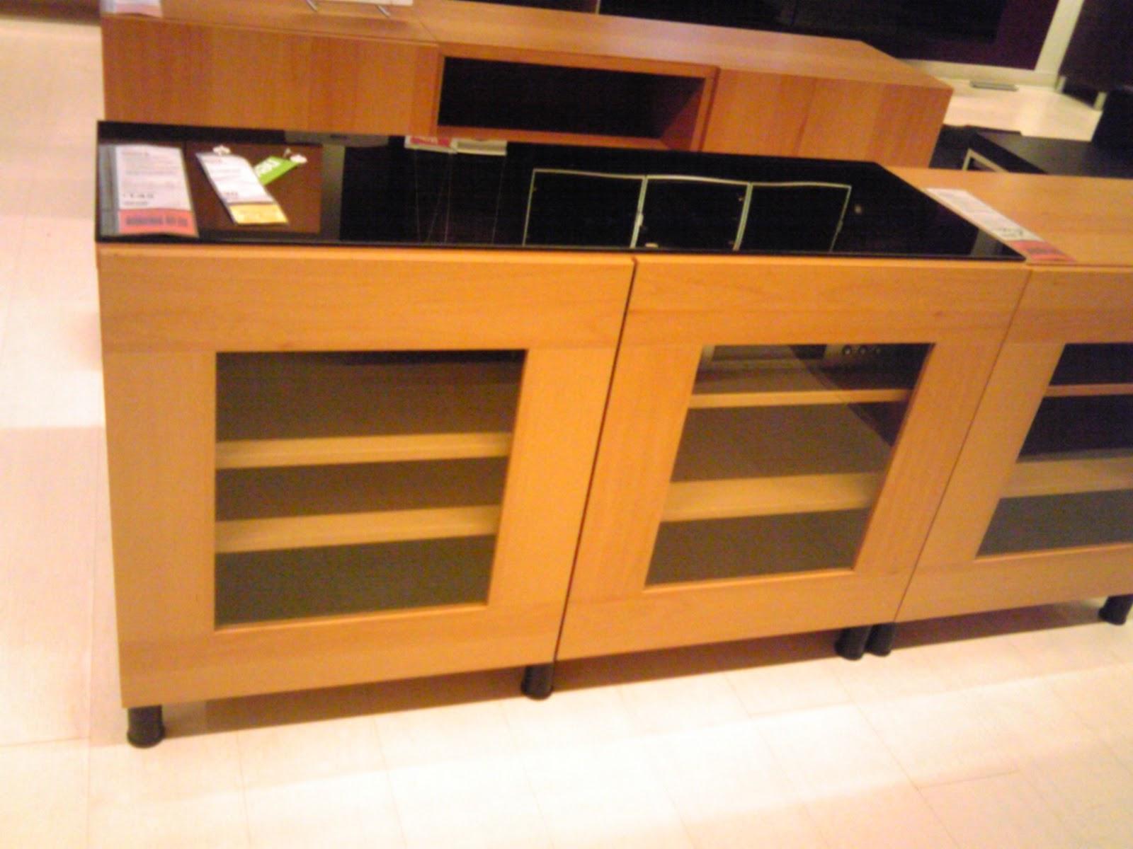 Meuble Tv A Roulette Ikea Meilleures Id Es Pour Votre Maison  # Meuble A Roulettes Ikea Plaque Hetre