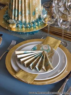 decoracion mesa navidad doradod y azul adorno servilleta
