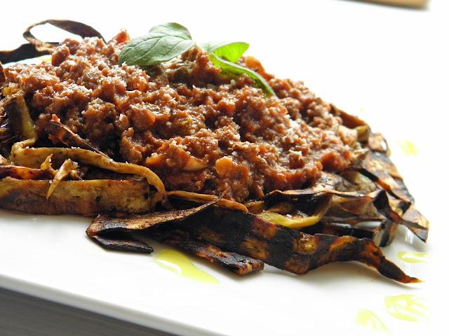 boloňská omáčka a lilkové těstoviny bez lepku Paleo