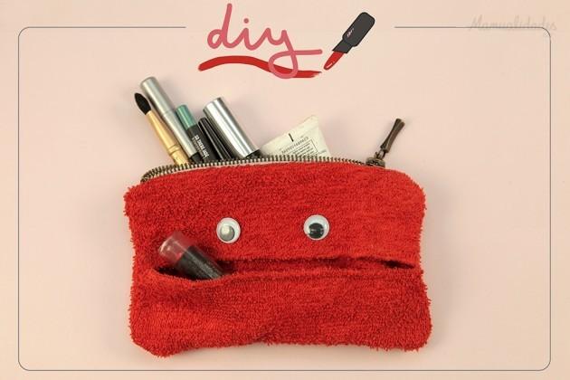 De todas las manualidades divertida mini cosmetiquera for Manualidades con tela paso a paso