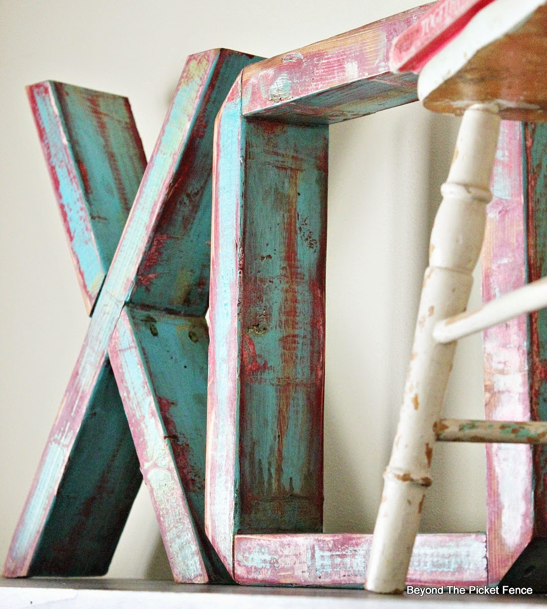 Wood Letters http://bec4-beyondthepicketfence.blogspot.com/2015/01/wood-block-xo.html