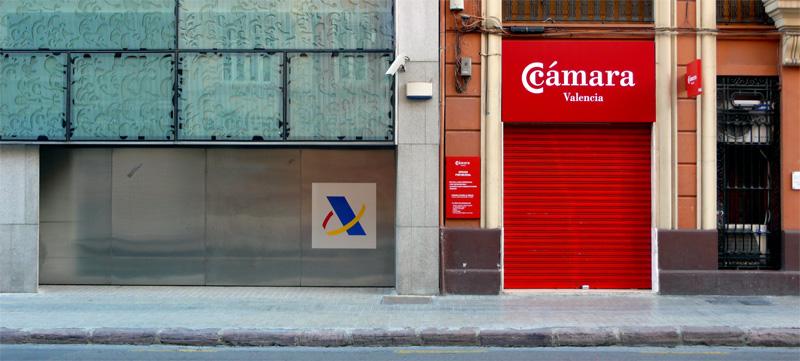 Clak blog y hacienda se qued con el comercio for Oficinas hacienda valencia