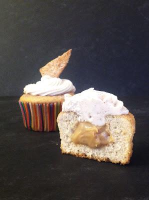 cinnamon cupcakes with dulce de leche