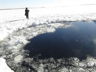 Gambar dan video bumi Rusia dicerobohi meteor 10 tan