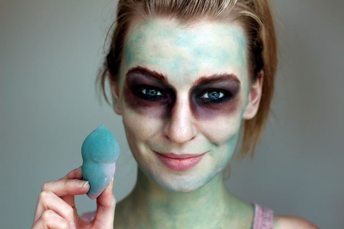 Make-up artist Zoe Newlove creates a walking dead halloween make-up tutorial for the boohoo blog