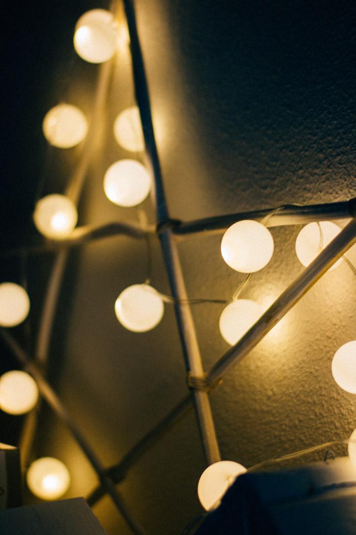 Guirnalda de luz con pelotas de ping pong