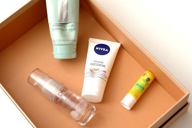 Aufgebraucht Nivea Sensitive Tagescreme, Caudalie Vinosource Serum, Clinique Peeling und Alverde Calendula Lippenbalsam