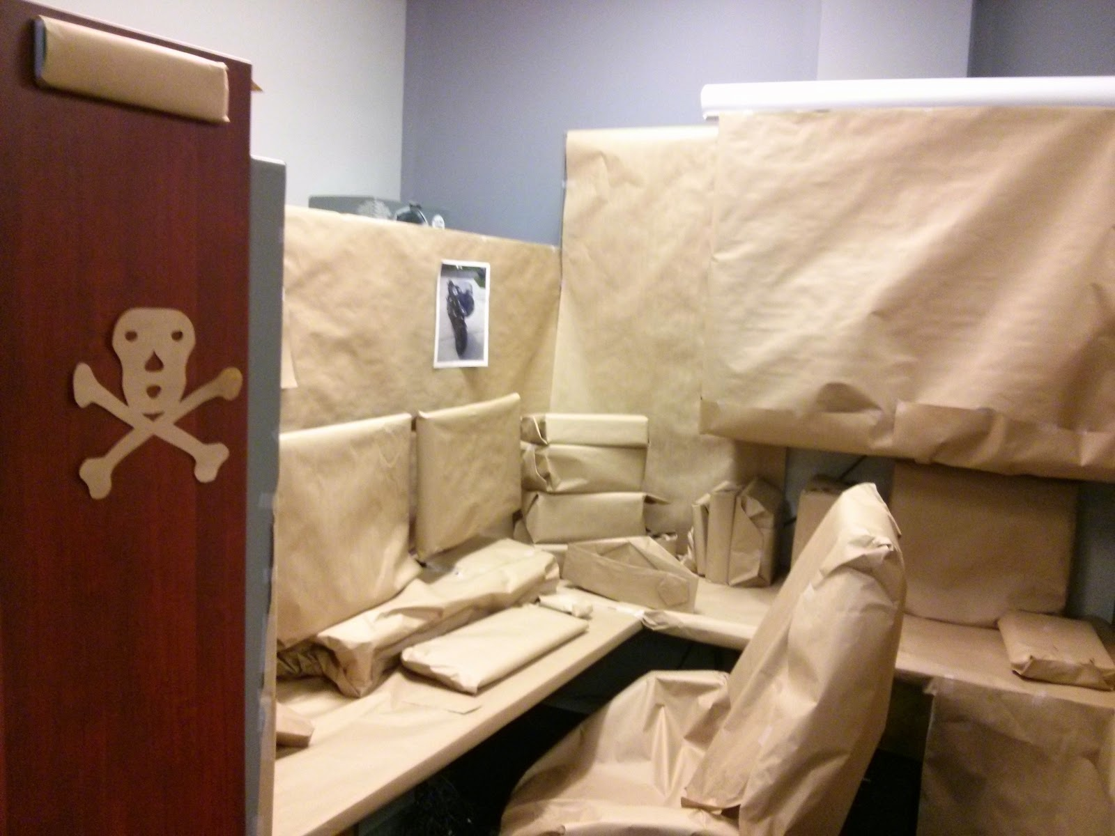 Web science and digital libraries research group september 2015 i couldnt resist to show our origami skills on the scale of covering an entire cubicle and every single item in it individually jeuxipadfo Image collections
