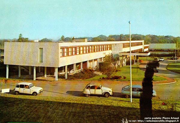 Nantes - Faculté de sciences - La Lombarderie  Architectes: Louis Arretche, Georges Tourry, Yves Liberge  mosaïque: Yves Trévédy  Projet / Construction: 1959 - 1967