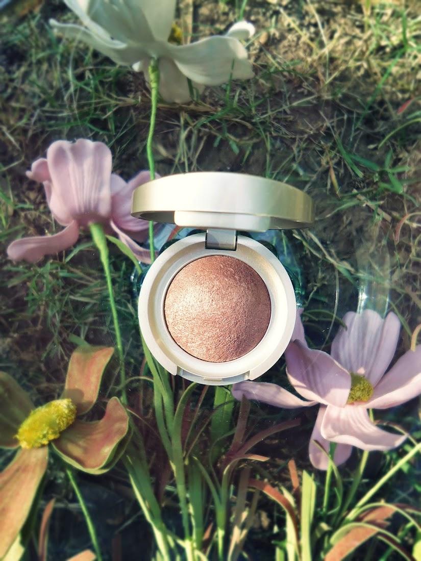ARTDECO Mineral Baked Eyeshadow in Bright Sand