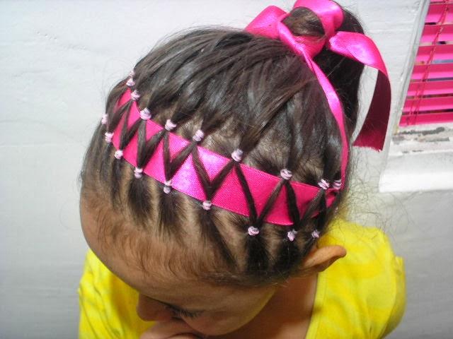PEINADO PARA NIÑAS CON LIGUITAS - PEINADO PARA NIÑAS CON COLITAS PEQUEÑAS vía http://xn--peinadoparanias-brb.blogspot.com/2014/02/peinado-para-ninas-con-liguitas-peinado.html