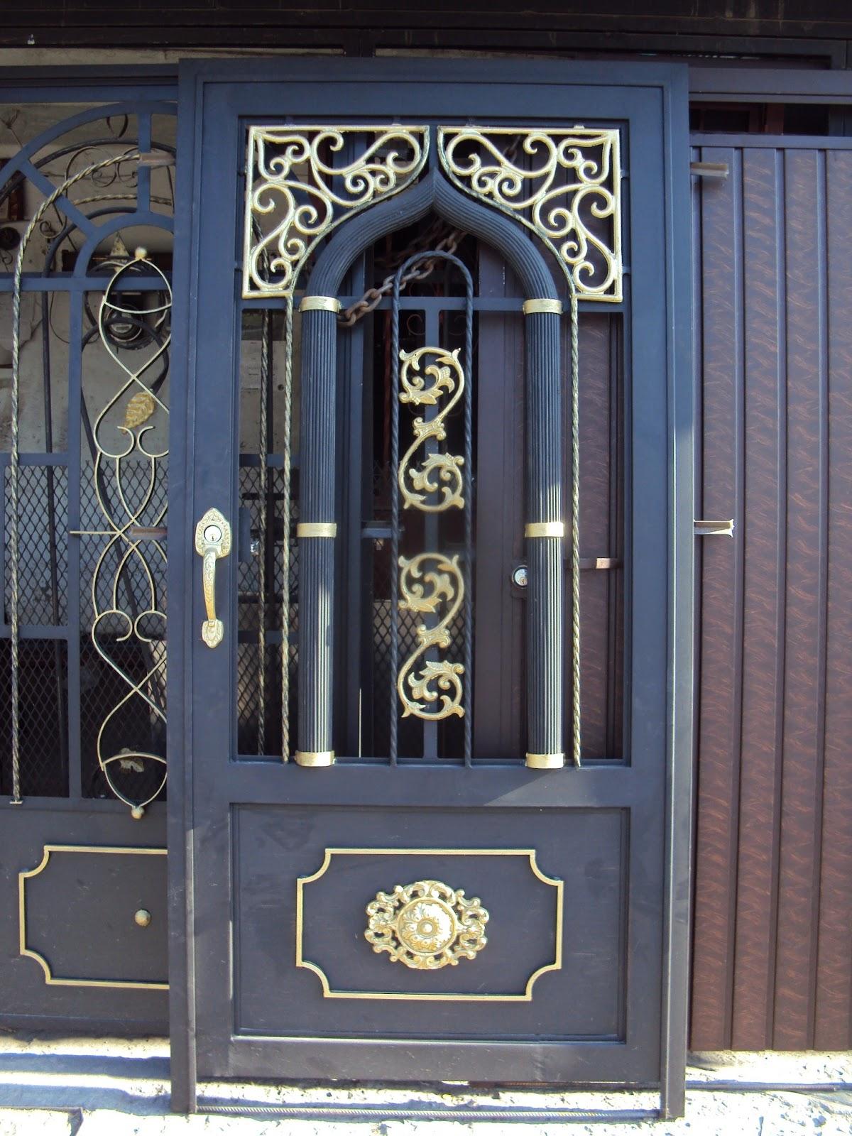 Herreria rober galeria de puertas for Fotos de puertas de metal