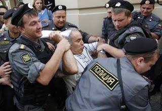 Garry Kasparov arrêté © Reuters Tatyana Makeyeva