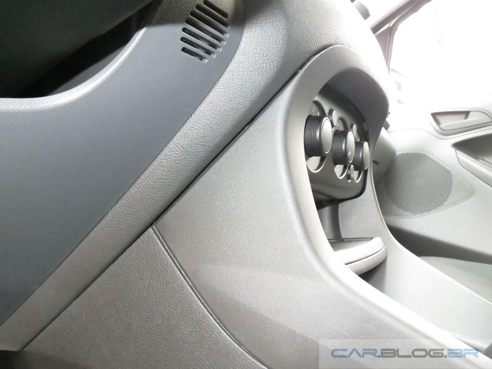 Ford Ka 2015 - problemas de acabamento